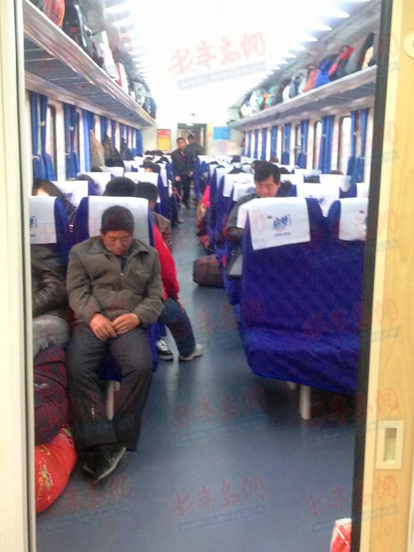 k火车硬座车厢图片_k字火车软卧分布图图片
