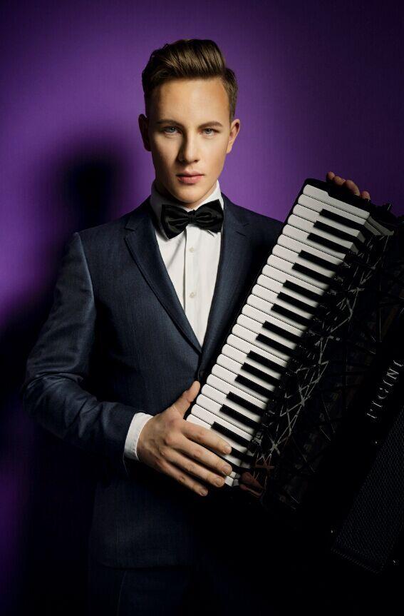水果姐katy perry_律动古典——立陶宛跨界手风琴家Martynas音乐会(图)|娱乐|半岛网