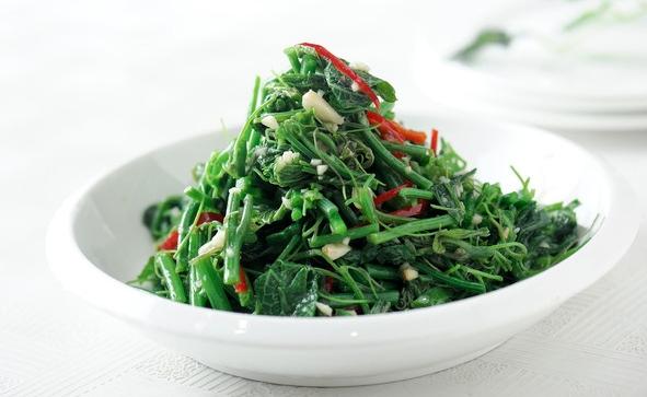 海中鲜    豆腐野菜丸子    酥炸花椒芽    糟香炒蕨菜    香煎荠菜饼