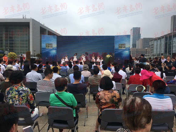 据悉,此次活动是崂山区委宣传部邀请青岛电视台打造的全民阅读体验