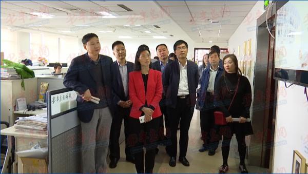 郯城宣传部长一行参观半岛传媒,将试水直播VR