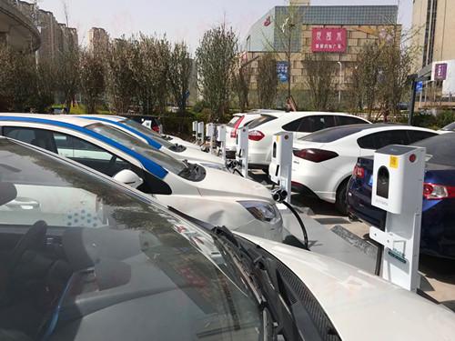 区及停车位,为新能源汽车车主和运营商提供快捷,安全,一站式充电服务