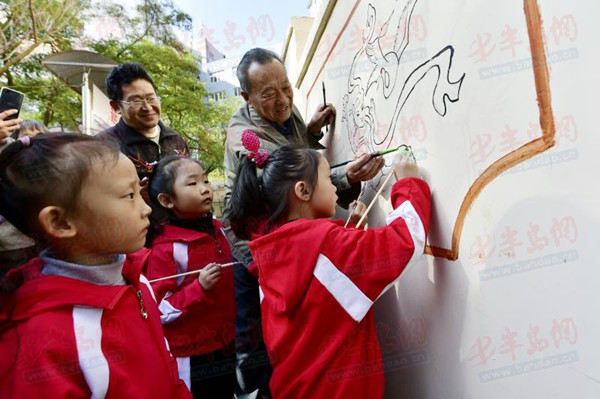 幼儿园百米画卷展示图片